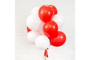 Букет из красно-белых воздушных шаров