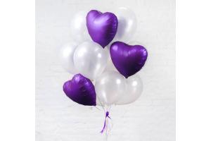 Связка из шаров белый с фиолетовыми сердцами